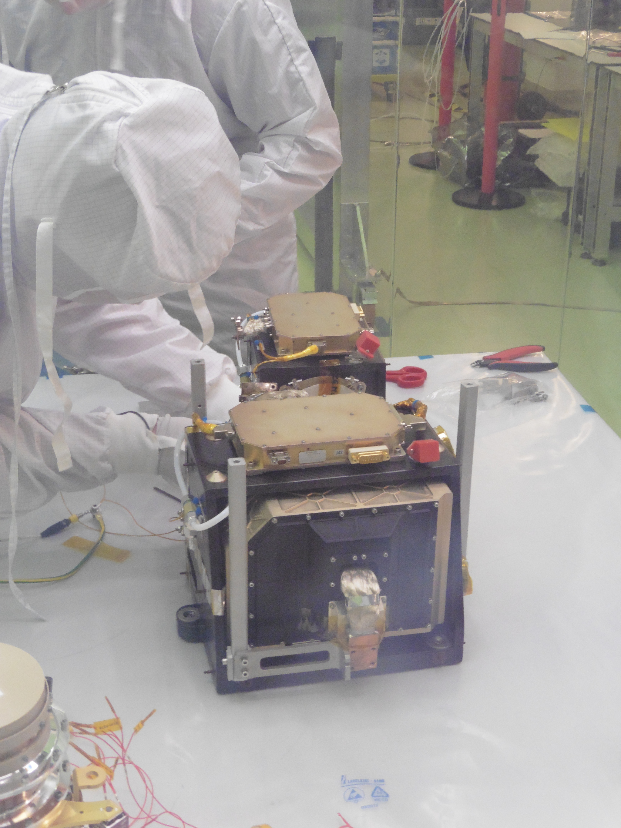 the technicians are unpacking Simbio-sys after the delivery in ESTEC